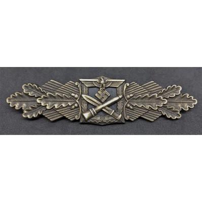 Close Combat Clasp (Bronze)
