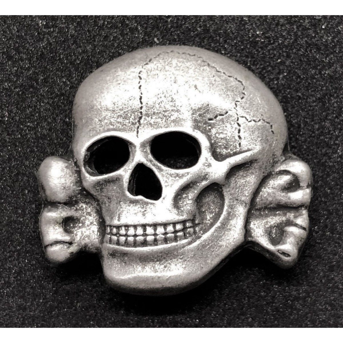 ss-totenkopf-skull-badge-for-hat.jpg
