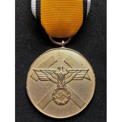 Medal For Merits In Building Trenches (Gold)