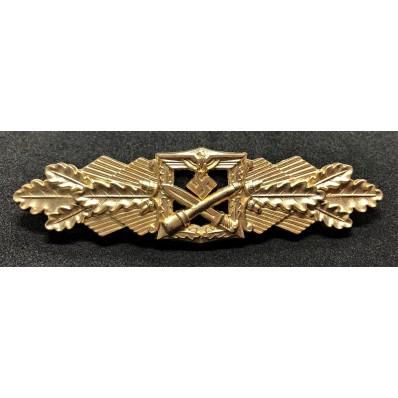 Close Combat Clasp (Gold)