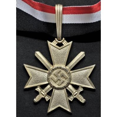 Croce di Cavaliere della Croce al Merito di Guerra - con Spade (Oro)