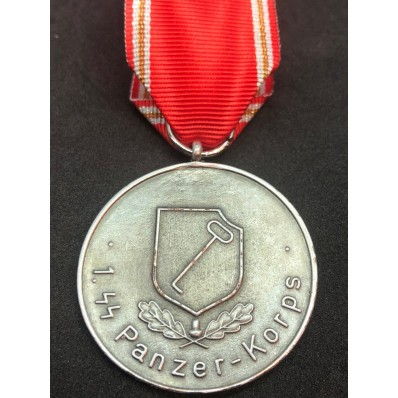 """Medaille """"1. SS-Panzerkorps"""""""