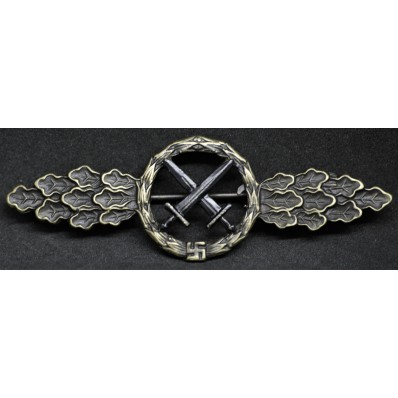 Front Flying Clasp for Air to Ground Support Fighters (Bronze)